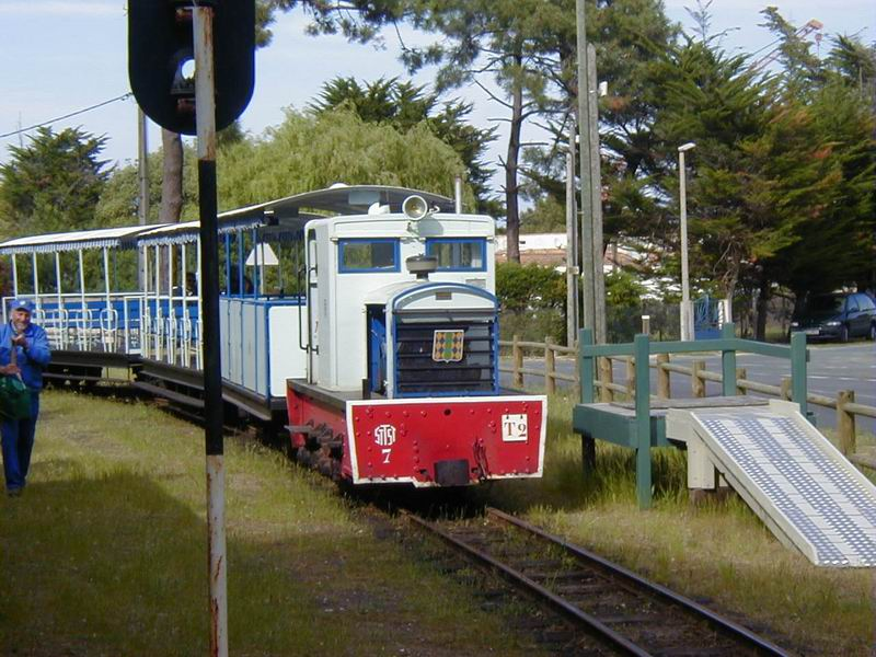 [17 - FR] 2003-05-09 et 10 - Le p'tit train de Saint-Trojan 2013-05_oleron_29