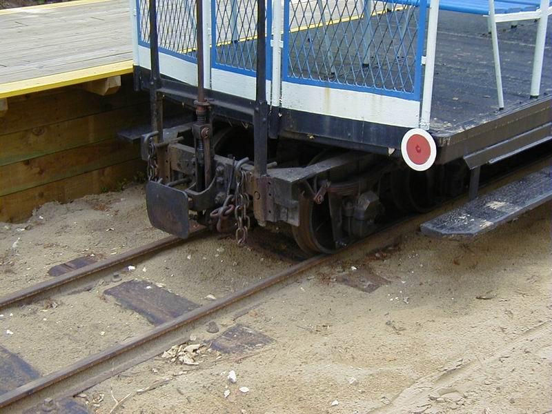 [17 - FR] 2003-05-09 et 10 - Le p'tit train de Saint-Trojan 2013-05_oleron_48