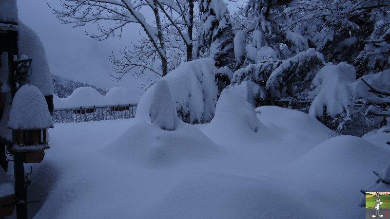 """Les 4 Saisons de """"Mon Jura"""" - Page 3 2012-12-08_neige_01"""