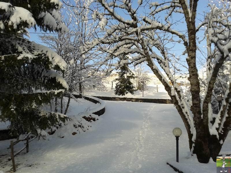 2014-01-24 : Neige et soleil à La Mainmorte (39) 2014-01-24_neige_soleil_01