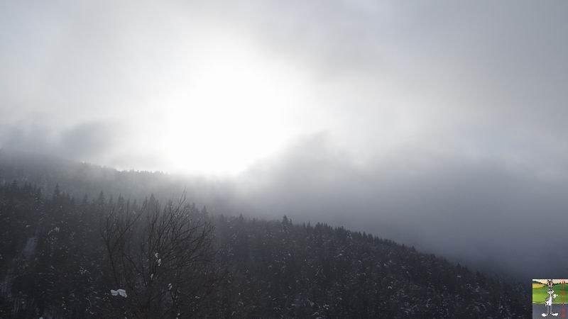 2015-01-24 : Entre deux couches de brouillard à La Mainmorte (39) 2015-01-24_neige_soleil_01