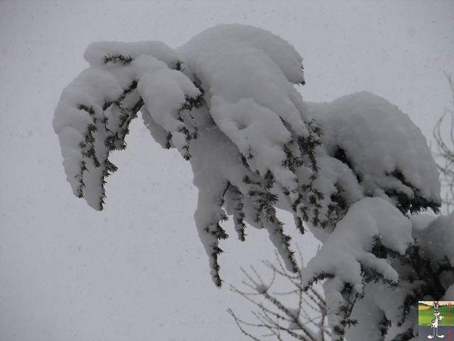 Chutes de neige durant le week-end de Pâques 2008 La_Mainmorte_04