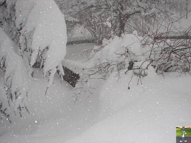 Chutes de neige durant le week-end de Pâques 2008 La_Mainmorte_08