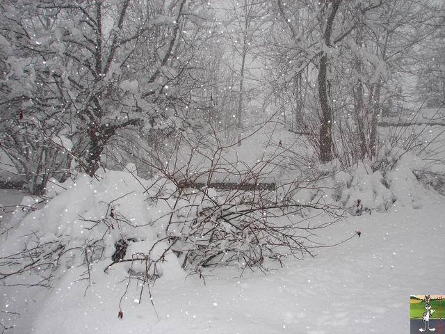 Chutes de neige durant le week-end de Pâques 2008 La_Mainmorte_09
