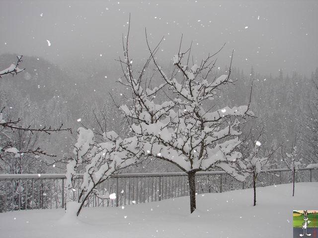 Chutes de neige durant le week-end de Pâques 2008 La_Mainmorte_10