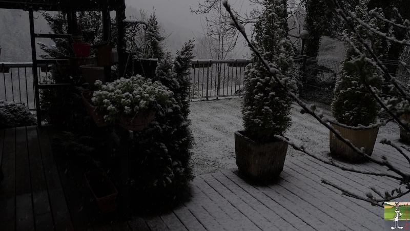 2019-05-04 : Re re re re re retour de la neige à La Mainmorte (39) 2019-05-04_neige_01