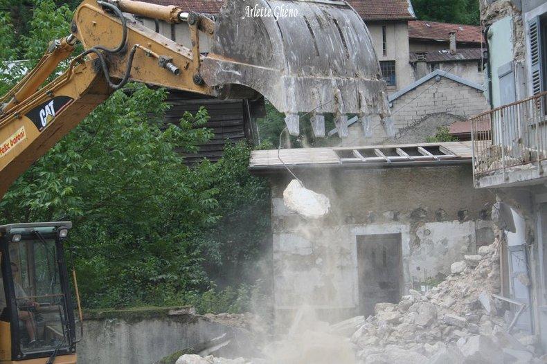 Démolition d'immeuble au Fb Marcel à St-Claude (39) Fbm_01