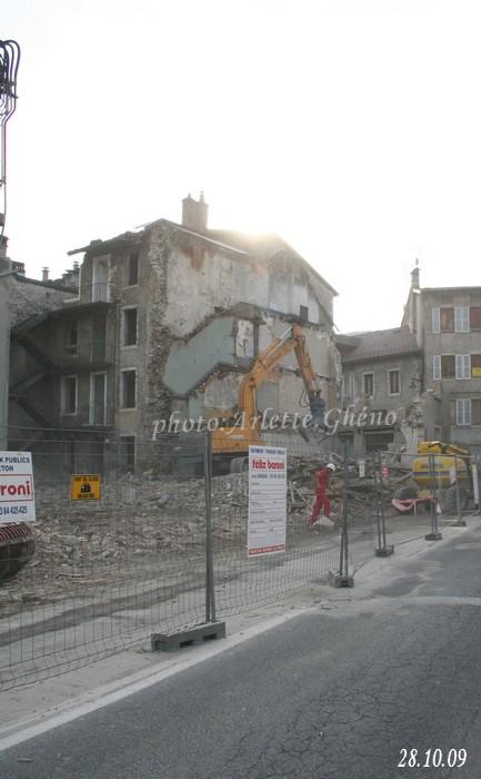 Démolition d'immeuble au Fb Marcel à St-Claude (39) Fbm_08