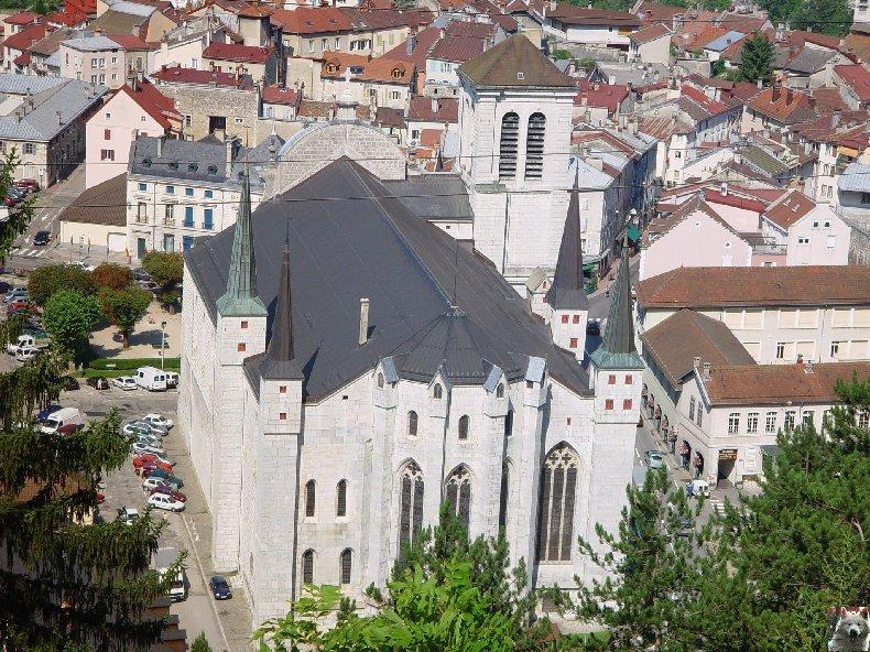 002 - St Claude (39) La cathédrale des Trois Apôtres (St Pierre, St Paul, St André) 0003