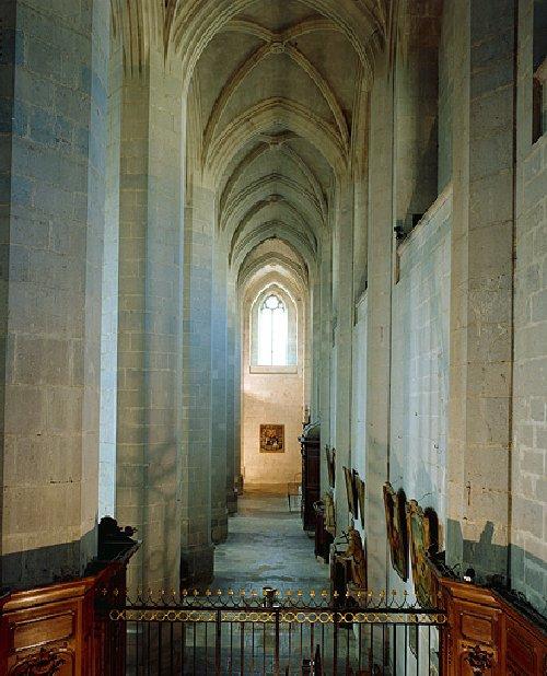 002 - St Claude (39) La cathédrale des Trois Apôtres (St Pierre, St Paul, St André) 0020