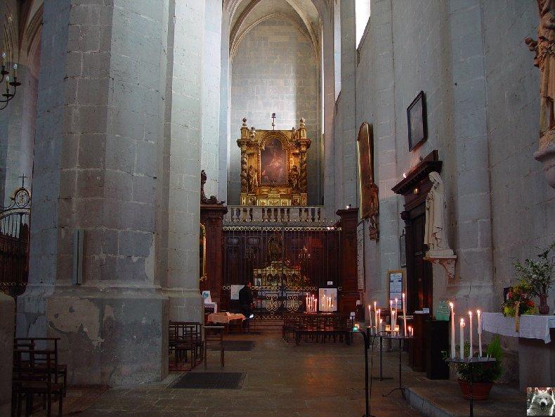 002 - St Claude (39) La cathédrale des Trois Apôtres (St Pierre, St Paul, St André) 0039