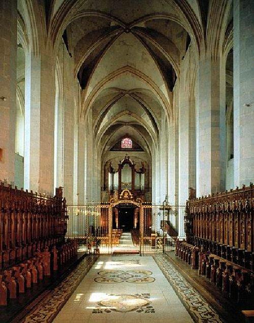 002 - St Claude (39) La cathédrale des Trois Apôtres (St Pierre, St Paul, St André) 0042a