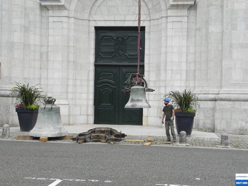 2017-07-12 : Descente de deux cloches de la cathédrale de St-Claude (39) 2017-07-12_cloches_02
