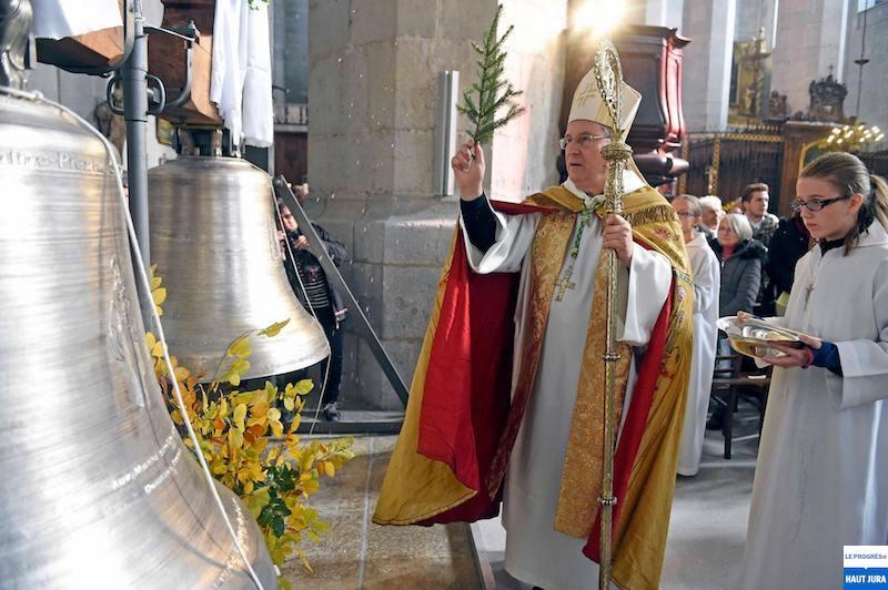 2017-11-01 : Retour des deux cloches de la Cathédrale de St-Claude (39) 2017-11-01_cloches_01