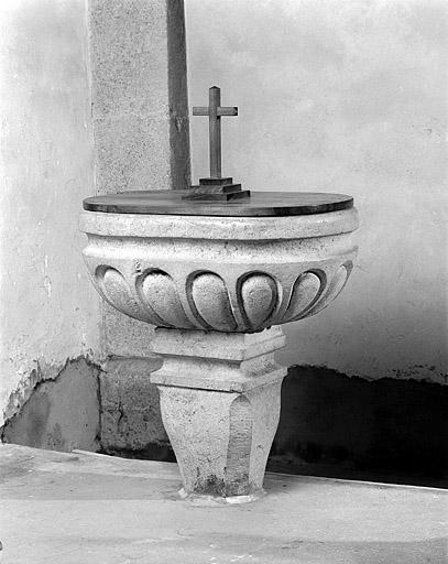 007 - Les Moussières (39) L'église St Joseph 0025