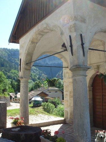 010 - Vaucluse / St Claude (39) La chapelle ND de Pitié 0040