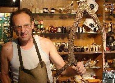 Le travail artistique de la corne - Jeurre (39). 0004