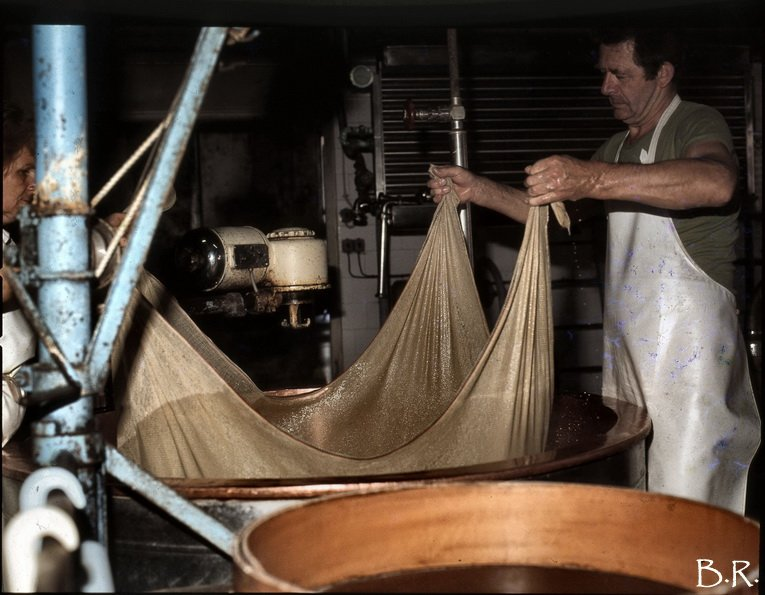 Coup de rétro sur la fruitière à Comté de Ney dans les années 1980 0004