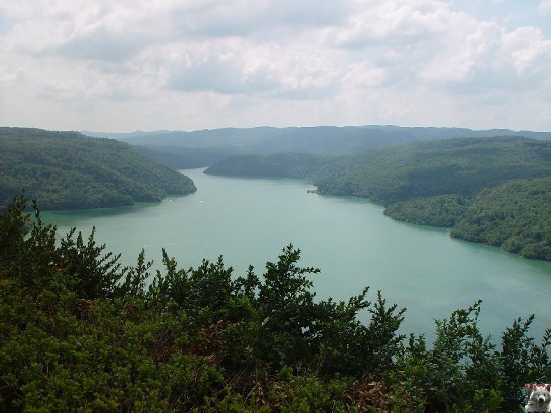 Le barrage et le lac de Vouglans (39) - 27/07 - 12/08/2007 0016